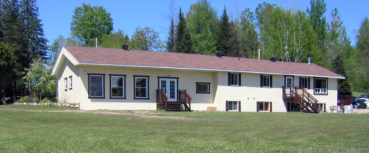 lodge-on-lake